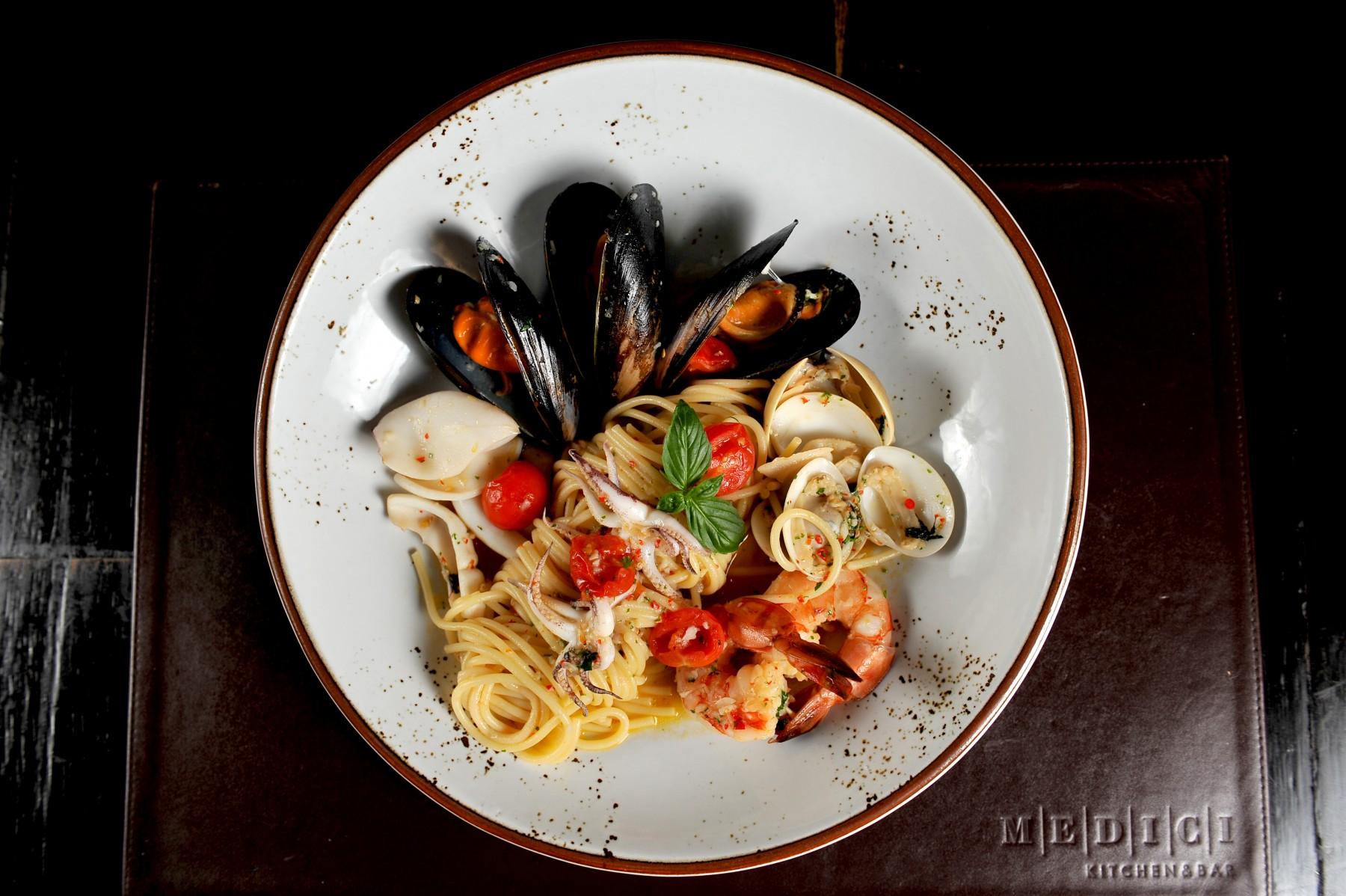 ร้านอาหารวิวและบรรยากาศดี Medici Kitchen & Bar